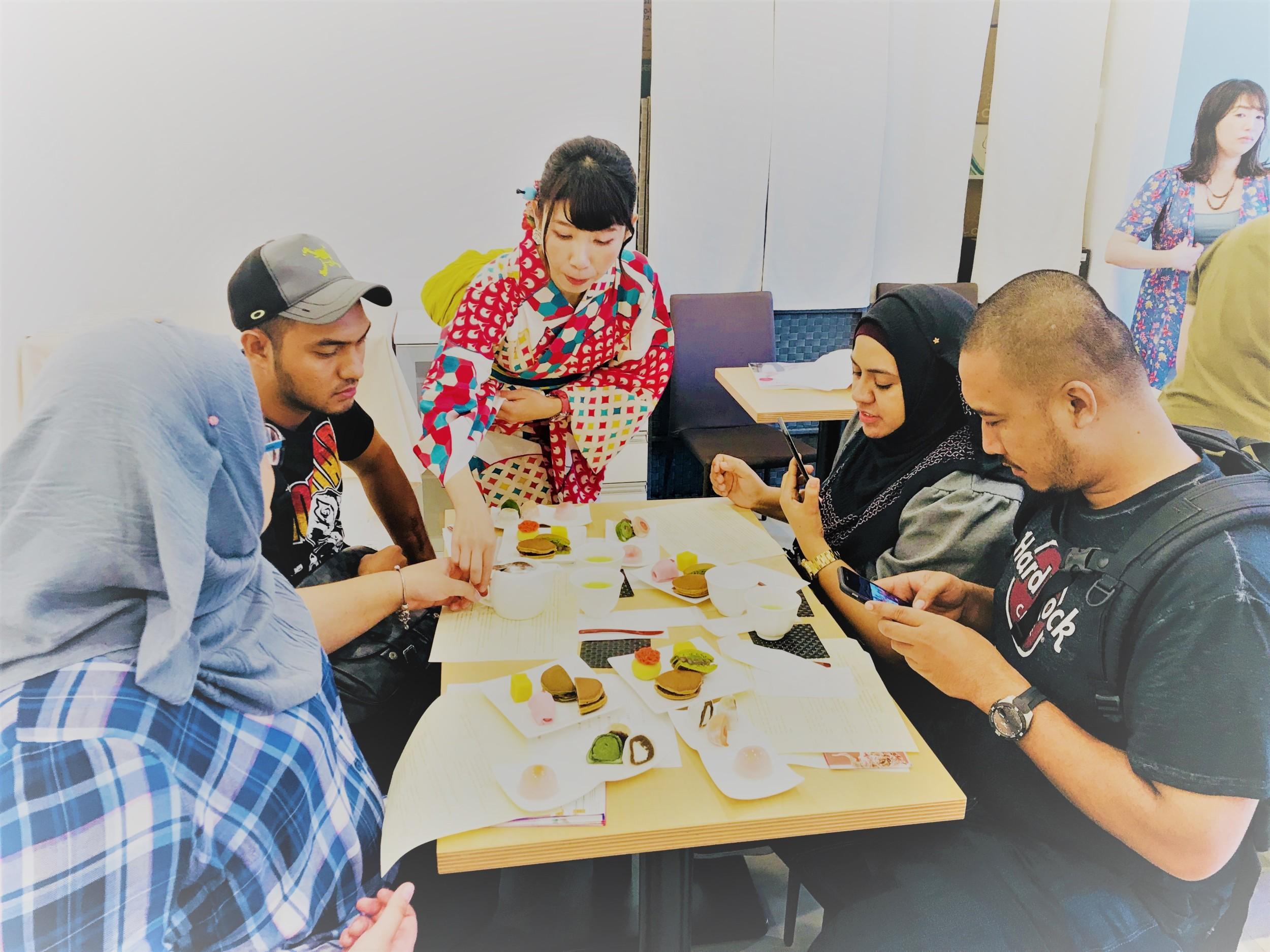 お茶と和菓子体験